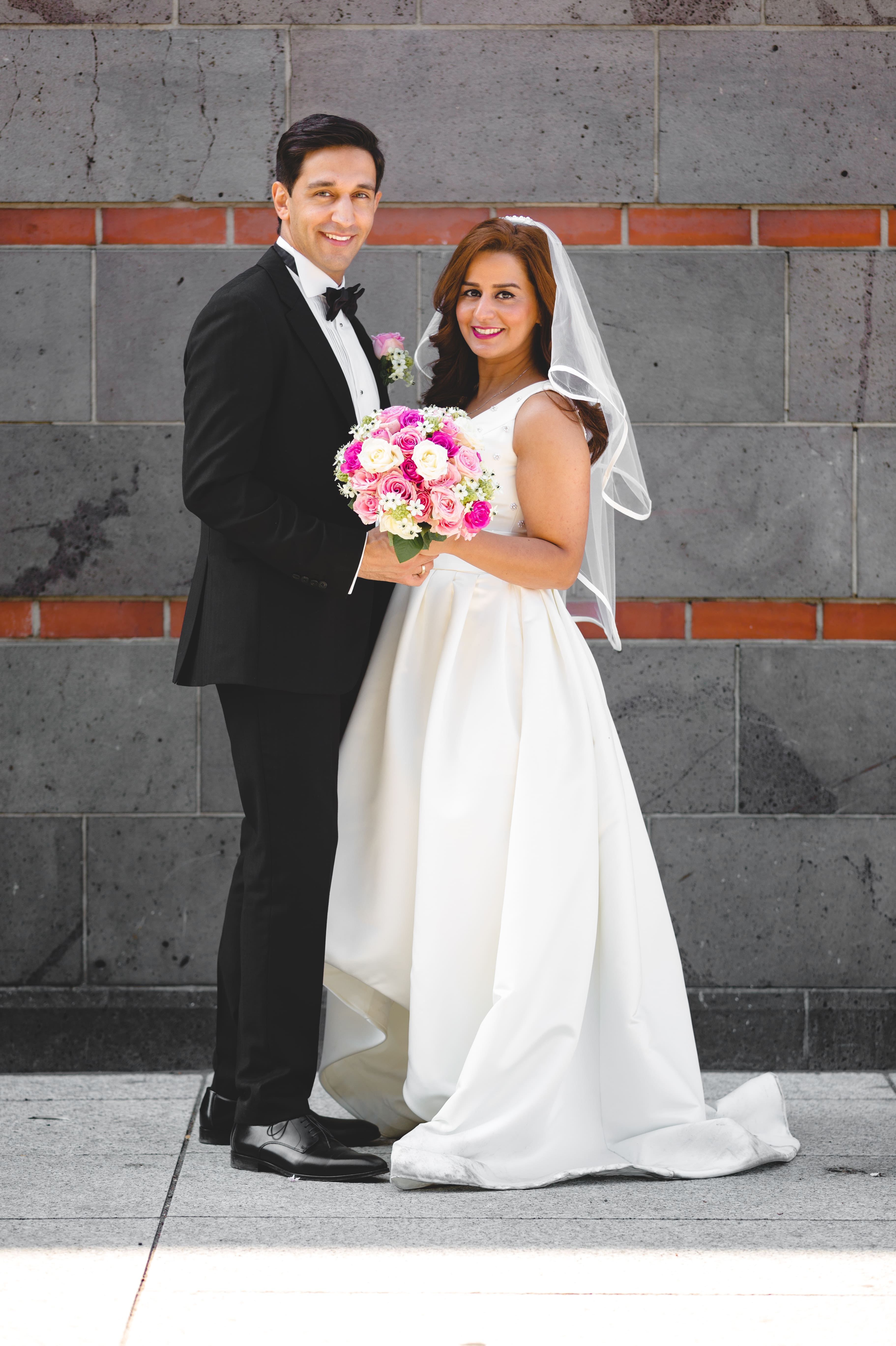 Shemy und Bahram sind das attraktive Paar aus Düsseldorf